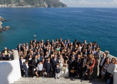 gruppo di invitati ad Amalfi